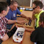 Ve volných chvílích si lidé mohli vyzkoušet i upravené stolní hry